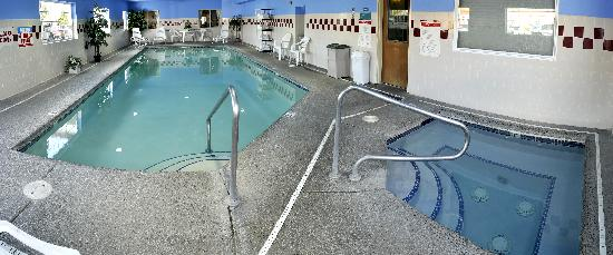 Best Western Plus Peppertree Airport Inn: 24hr Pool and Spa
