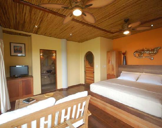 Ocaso Cerro Bed & Breakfast : Private balconies and bathrooms in every room