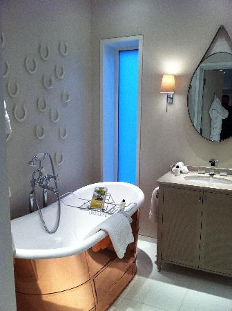 Coworth Park - Dorchester Collection: The Stables - Bathroom