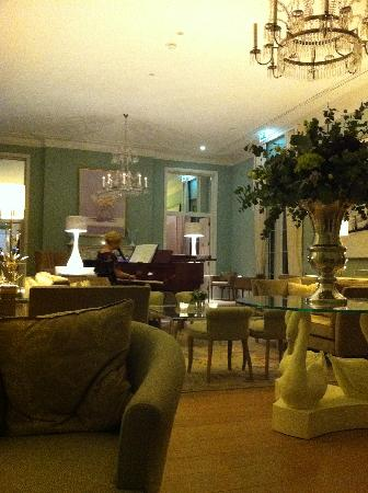 Coworth Park - Dorchester Collection: The Mansion House - Drawing Room