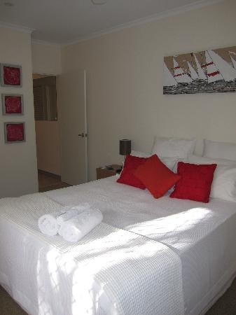 Noosa Riviera: The plush room