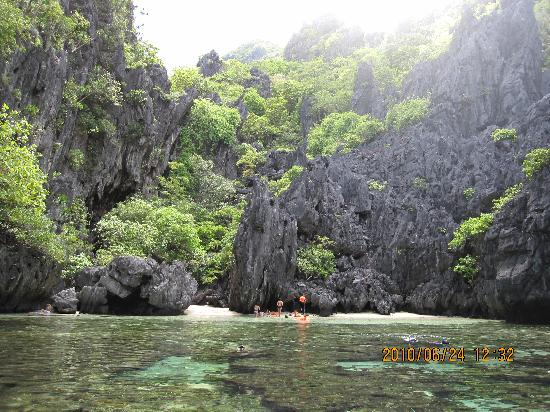 El Nido, Palawan, Philippines - Island Hopping Tour@Secret Beach