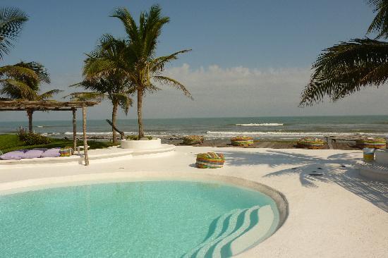Hotel Azucar: La piscina