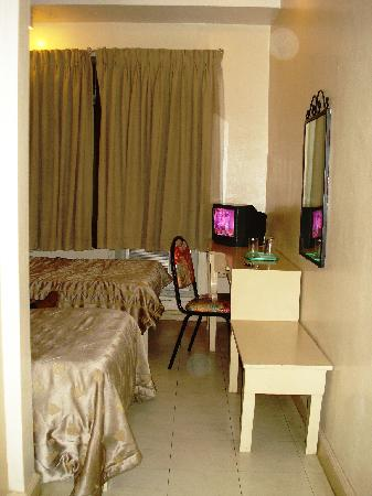 Tower Inn Davao: Room 411