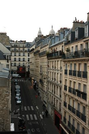 Luxelthe : view from my hotel window with Sacre Coeur in the background