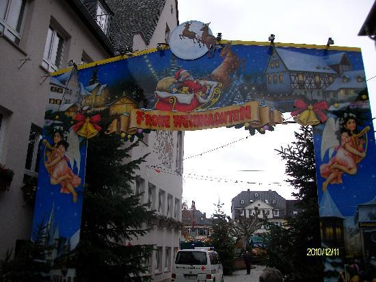 Gästehaus Loreley: Eingang zum Weihnachtsmarkt