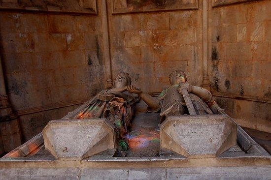 Batalha, Portugal: la tomba di Eleonora di Aragona e di Edoardo del Portogallo