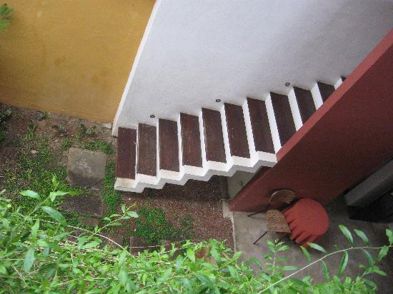 The Courtyard: Staircase - RedDot have changed their details since our report to them