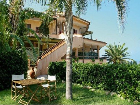 L'Arcobaleno Resort: arcobaleno resort apartments