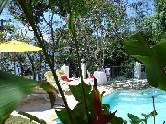 Pousada Casa Buzios: Tropical garden