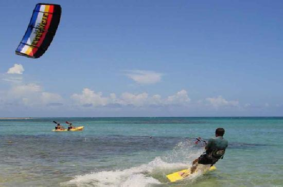 La Hacienda Beach Hotel: kite surfing