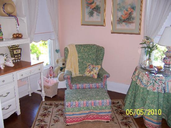 Manor of Time - A Bed and Breakfast: Comfy