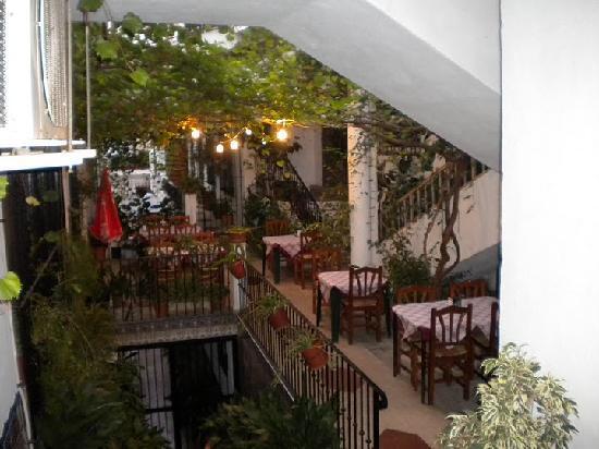 Petit restaurant caché dans les ruelles de Mijas