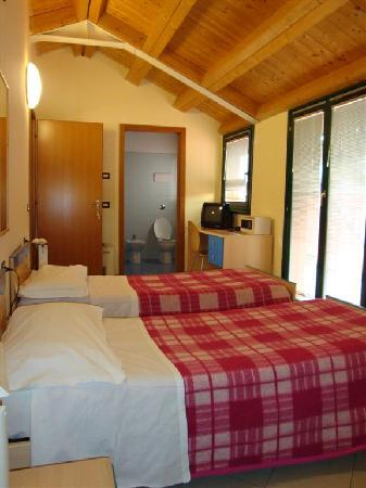 Central Hostel: twin room