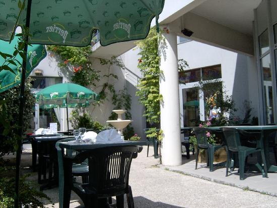 Kyriad Tours - Saint Pierre Des Corps - Gare: Terrasse - Jardin