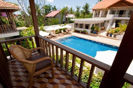 Bambu Battambang Hotel: Bambu_Hotel_room_with_balcony