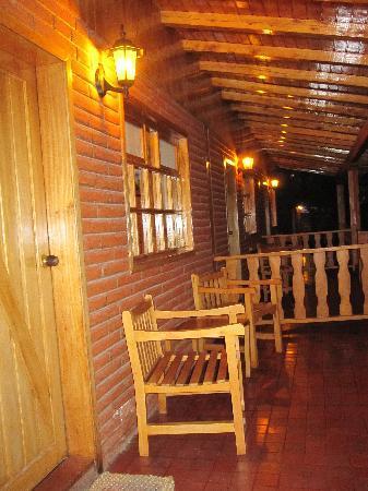 PuertoLago Country Inn: Porch
