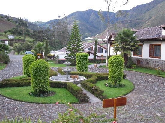 Hacienda Leito: Grounds