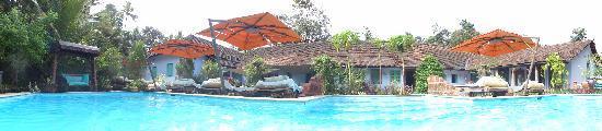Casa Susegad: poolside