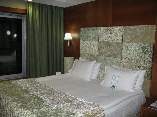 Limak Ambassadore Hotel Ankara: Bed