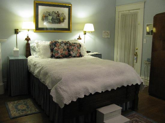 Greenwood Bed and Breakfast: The blue room