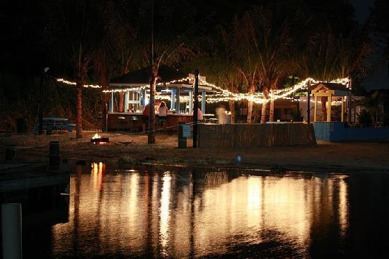 Castaways RV Resort & Campground: Jackspot Bar