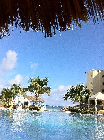 Iberostar Grand Hotel Rose Hall: Great pools.