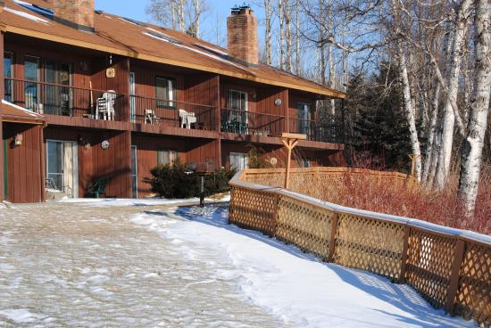 Chateau LeVeaux on Lake Superior: Lake side of the property