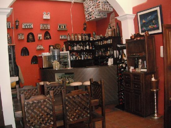 Portal de Benalcazar: full bar