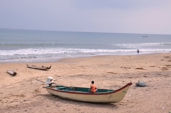 Tharangambadi, India: Beach near Tranquebar Fort