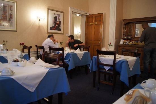 Elder York Guest House: Breakfast room