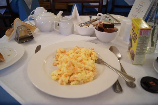 Elder York Guest House: My breakfast- scramble egg with salmon