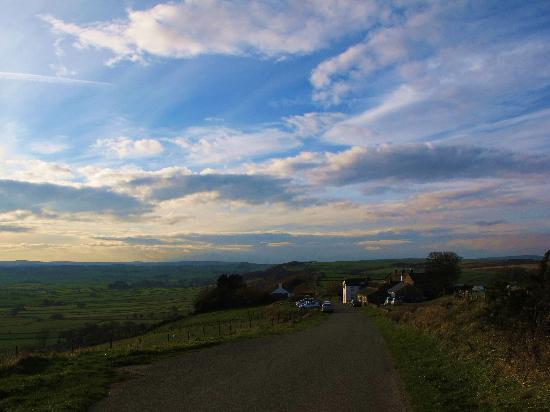 Bretton Cottage: Just up the road.  A world away.