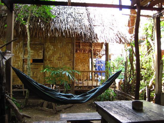 Chill Out House: Bamboo hut