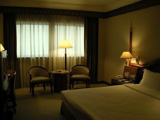 Gitic Riverside Hotel : 広く快適な客室です。