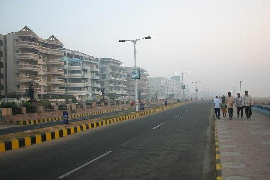 Visakhapatnam, India: beach road..i like this a lot