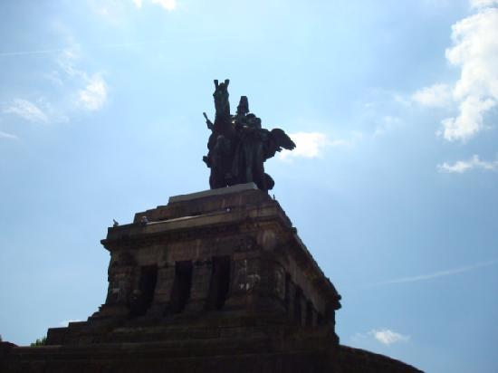 Deutsches Eck (German Corner): 騎士像