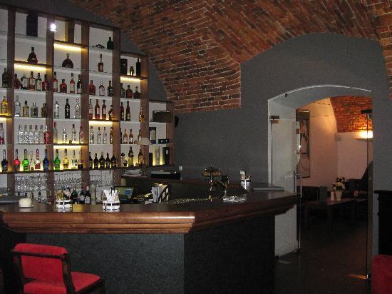 Hotel Zamek Lubliniec: Dir gemütliche Bar