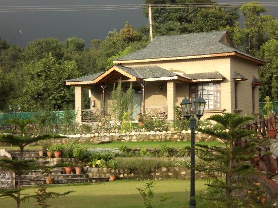 Blossoms Village Resort : You private cottage awaits you here!