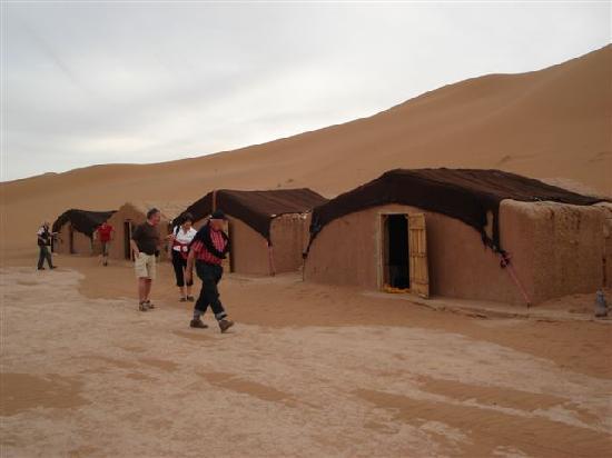 Naamani Groupe Nomadic Camp : camp Naamani