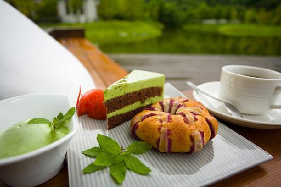 Ardennes Villa: enjoy the home made after tea after a walk in the peaceful surrounding landscape