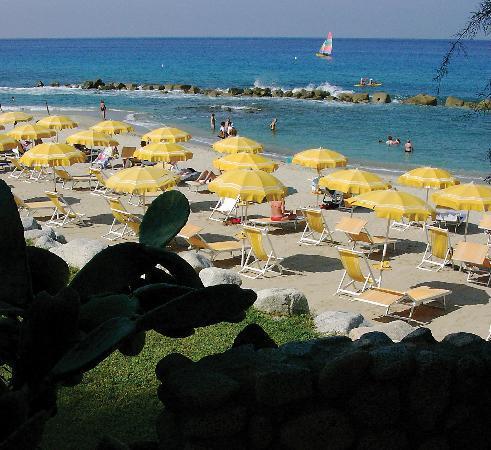 Villaggio Club Baia del Sole: Spiaggia privata