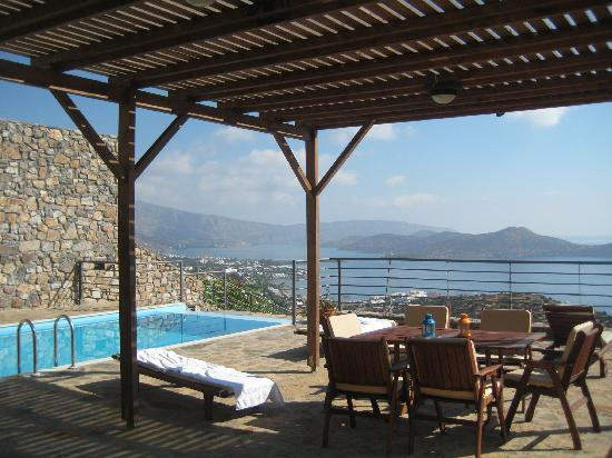 Elounda Solfez Villas: the lounge