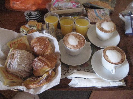 Hotel Maikol Rome: Yummy!