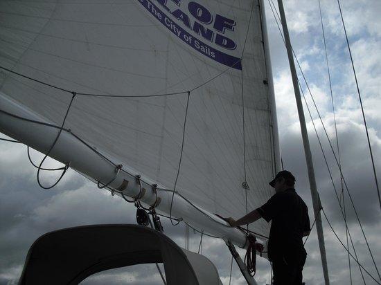 Explore - Auckland Harbour Sailing : setting the sail