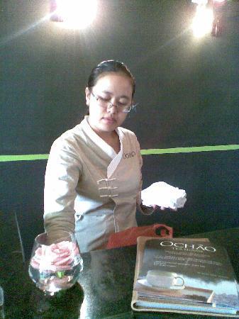 OCHAO Tea House: waitress