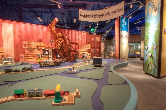 Tampa Bay History Center: Tampa Bay History Center Port City Exhibit
