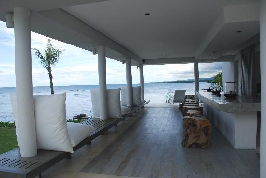 The Lombok Lodge : relax at bar deck