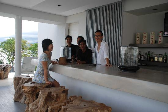 The Lombok Lodge : Great people at the LODGE, great chat as well.