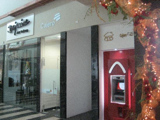 Sonesta Hotel Barranquilla: atm's